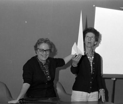 Emma Castelnuovo durante una delle sue lezioni